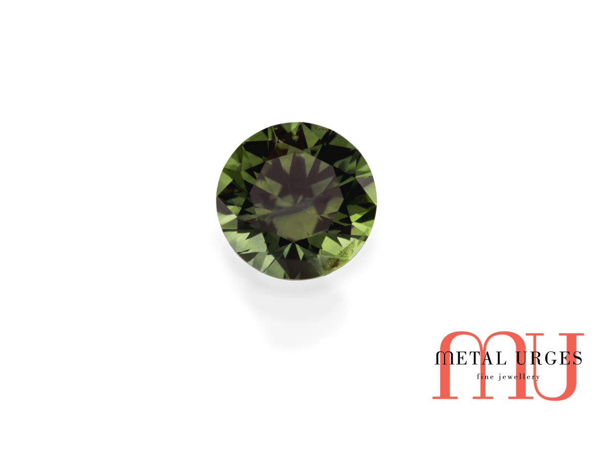 Natural Green sapphire, Round Cut Jewellers Hobart, Sydney