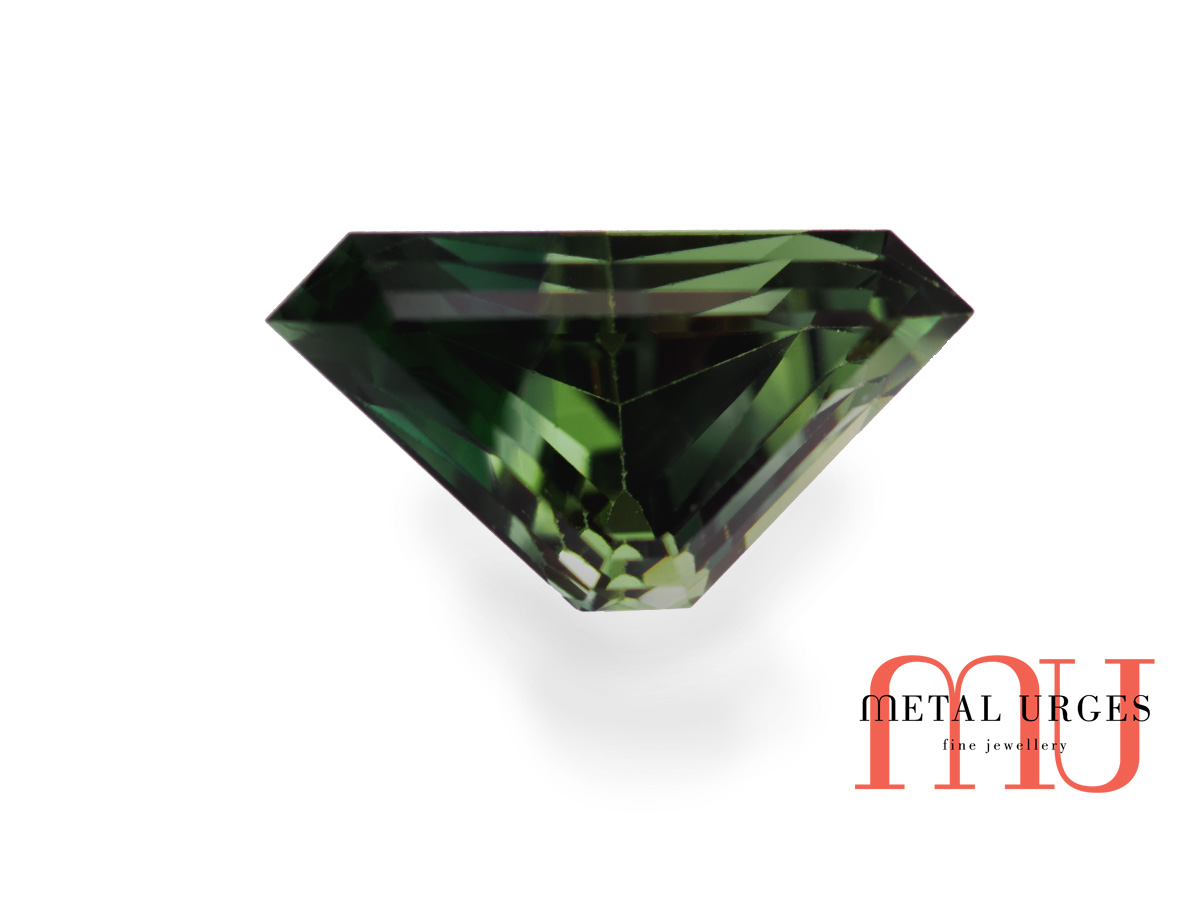 Natural Green sapphire, unqiueCut Jewellers Hobart, Sydney
