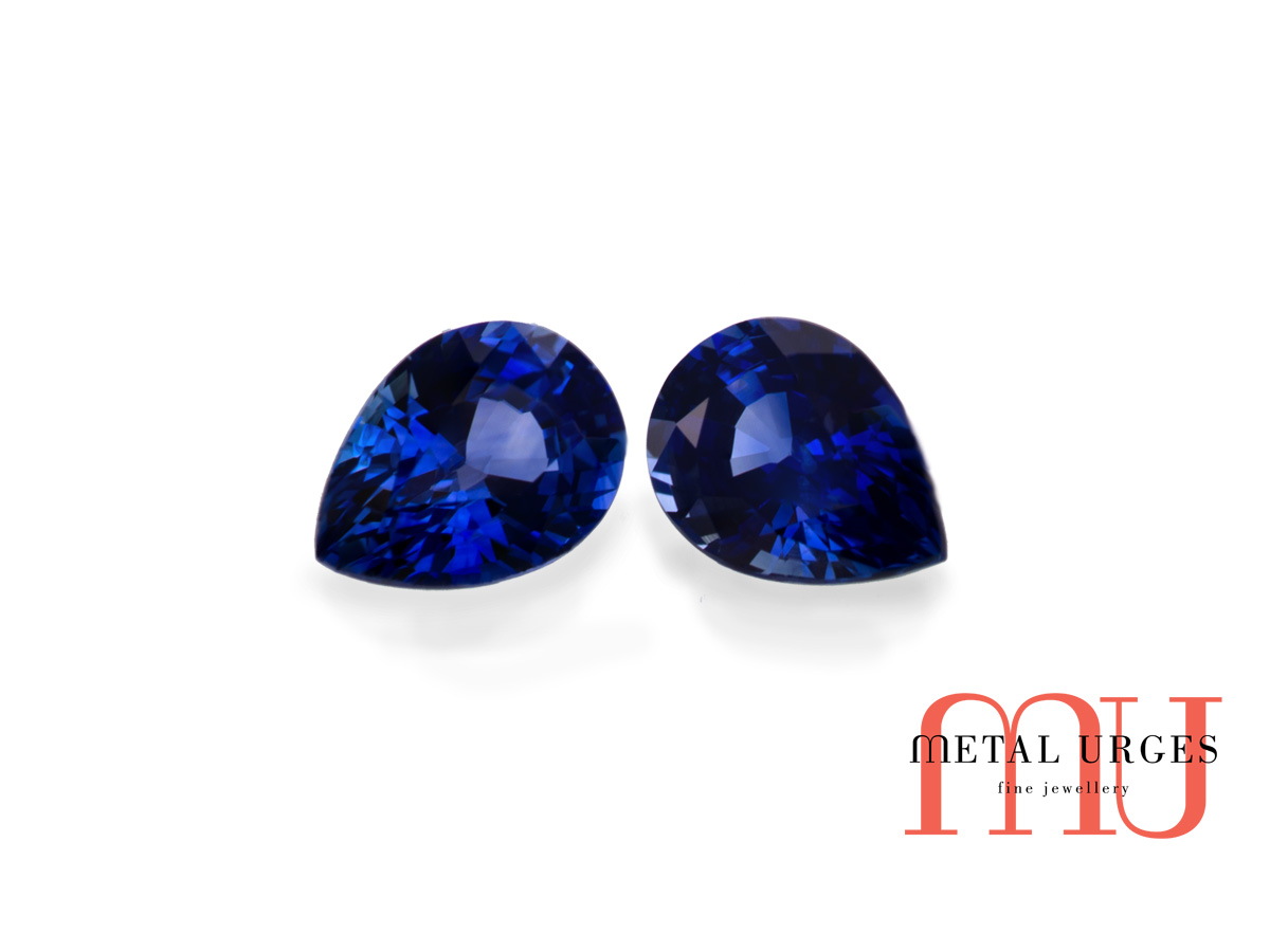 Natural pair of sapphires, pear cut