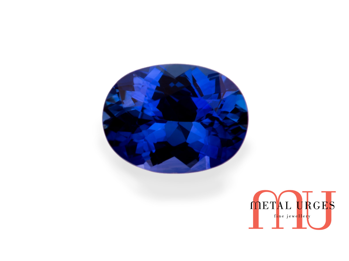 Natural sapphire oval cut