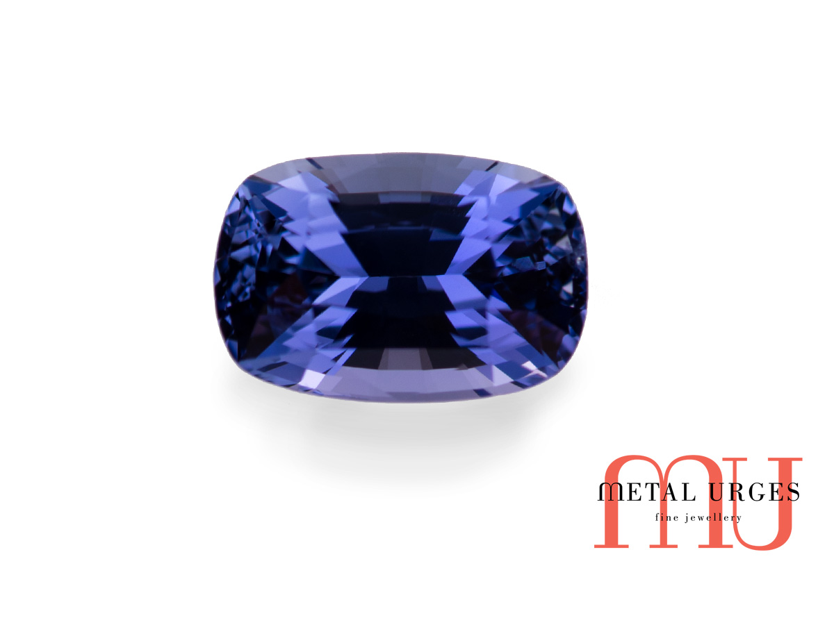 Blue sapphire - natural and ethical