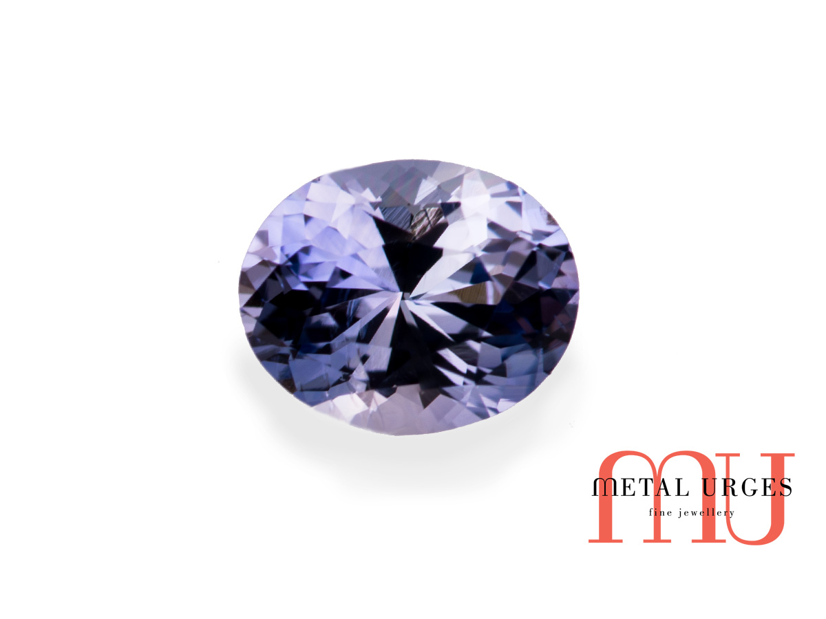 Natural oval blue sapphire