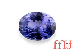 Conflict free oval cut sapphire