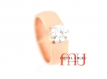Round brilliant cut white diamond engagement ring, featuring puatinum and 18ct rose gold. Custom made in Australia.